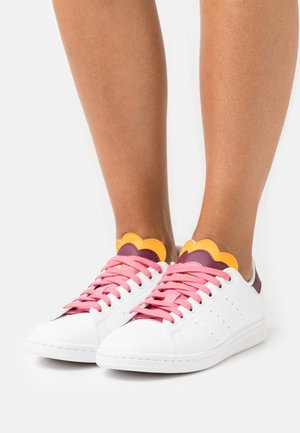 STAN SMITH  - Trainers - footwear white/rose tone/semi solar gold
