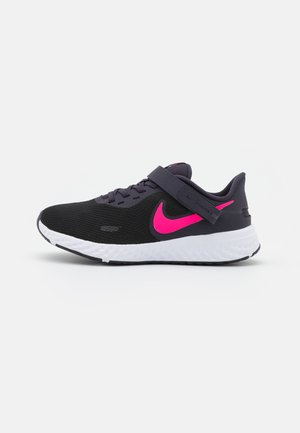 REVOLUTION 5 FLYEASE - Neutral running shoes - black/hyper pink/cave purple/lilac/white