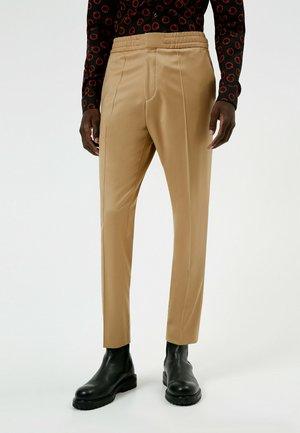 HOWARD - Pantalon de costume - beige