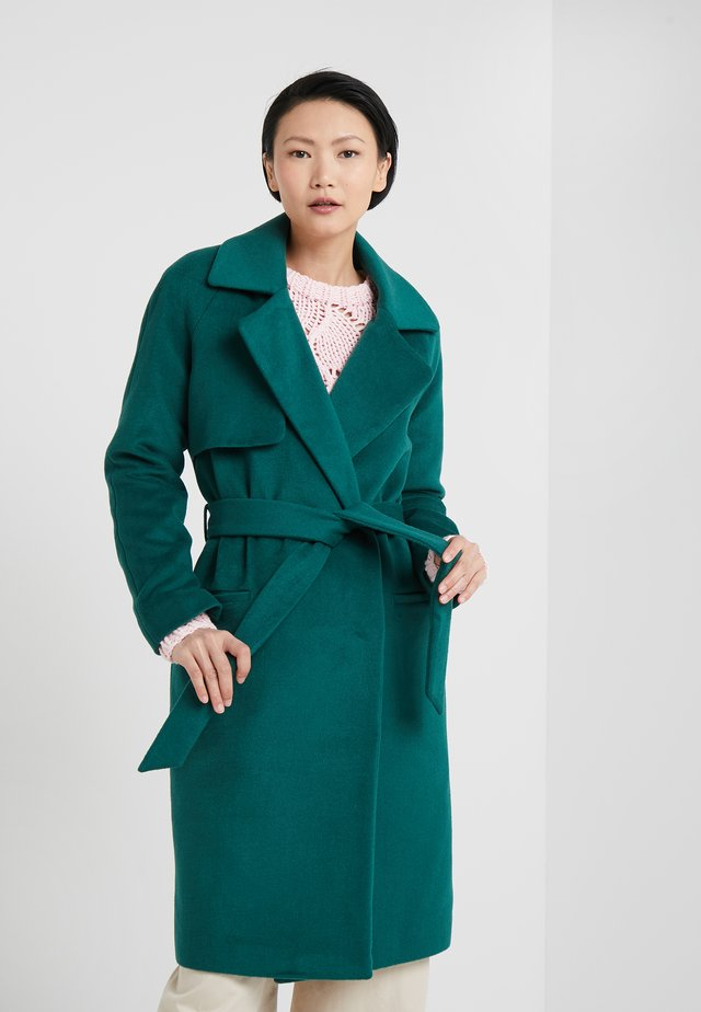 Classic coat - posy green