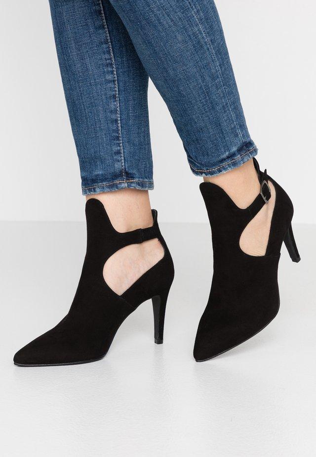 DIAN - Højhælede støvletter - black