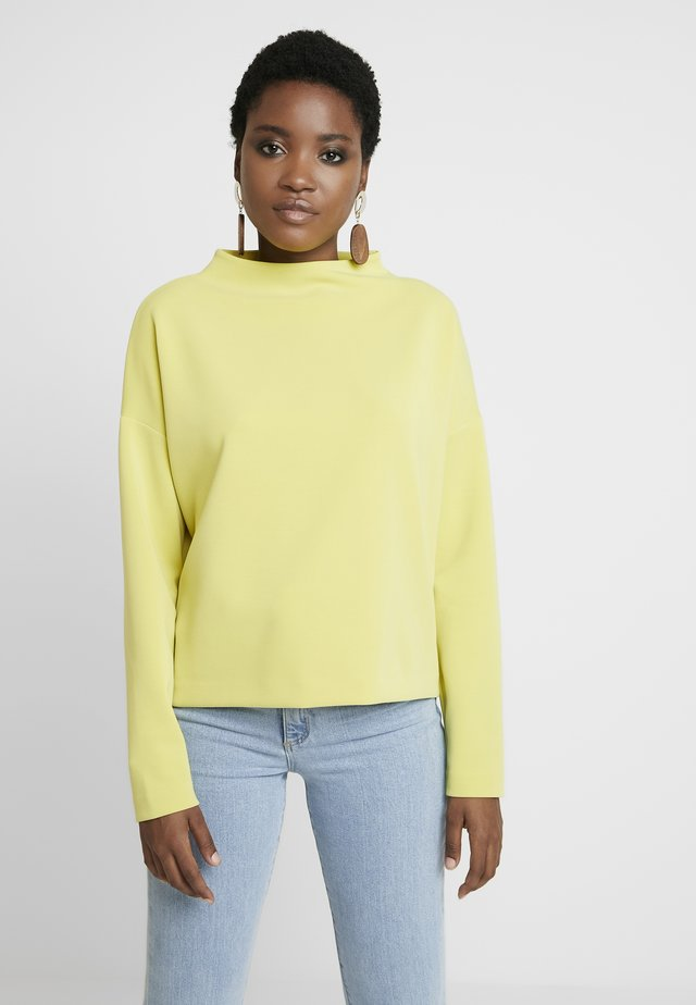 UPITA - Long sleeved top - lime
