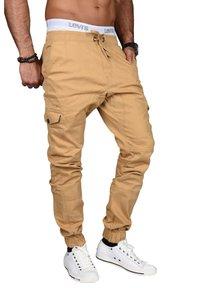 Alessandro Salvarini - DESIGNER - Cargo trousers - beige - 2