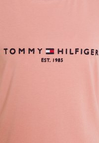 Tommy Hilfiger - REGULAR HILFIGER TEE  - Jednoduché triko - soothing pink - 4