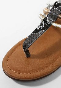 LASCANA - T-bar sandals - gold-colored camel-cream - 6