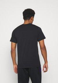 Nike Performance - MASH TEE - T-shirt med print - black - 2