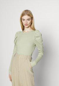 Monki - OFELIA - Long sleeved top - green dusty light - 0