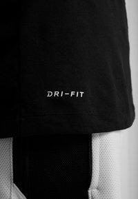Nike Performance - NBA DRY TEE - T-shirt z nadrukiem - black/white - 5