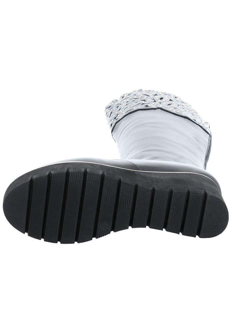 Tizian Stiefel Kairo 08