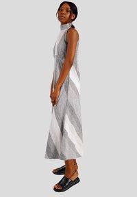 GESSICA - Maxi dress - schwarz und weiß - 3