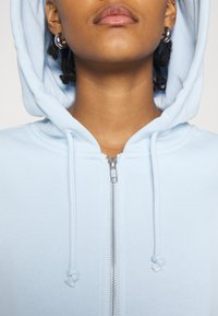 Monki - JOANNA HOODIE - Bluza rozpinana - blue light - 4