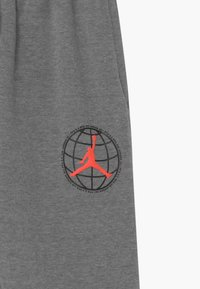 Jordan - MOUNTAINSIDE  - Pantalones deportivos - carbon heather - 2