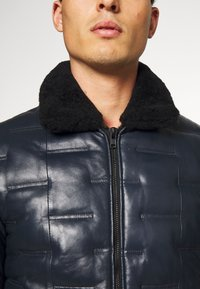 Serge Pariente - TAYLOR - Leather jacket - navy - 6