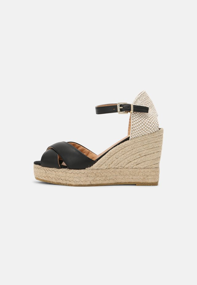 INES - Sandalen met plateauzool - schwarz