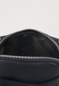 Strellson - ROYAL OAK SHOULDERBAG - Across body bag - black - 4