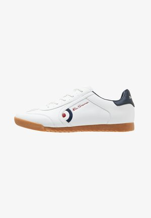 TARGET - Trainers - white