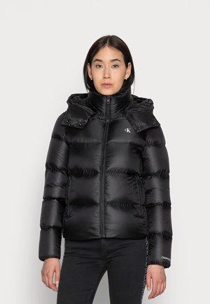 SHINY SHORT PUFFER JACKET - Winter jacket - black