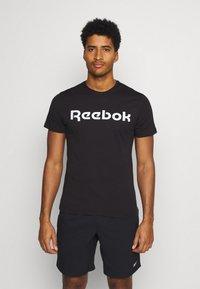 Reebok - LINEAR READ TEE - Triko spotiskem - black/white - 0