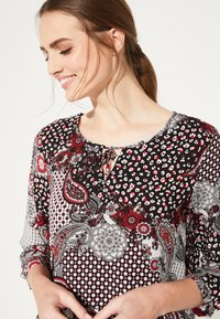 comma casual identity - 3/4 ARM - Blouse - red - 5