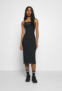 Champion Reverse Weave - DRESS - Denní šaty - black - 0