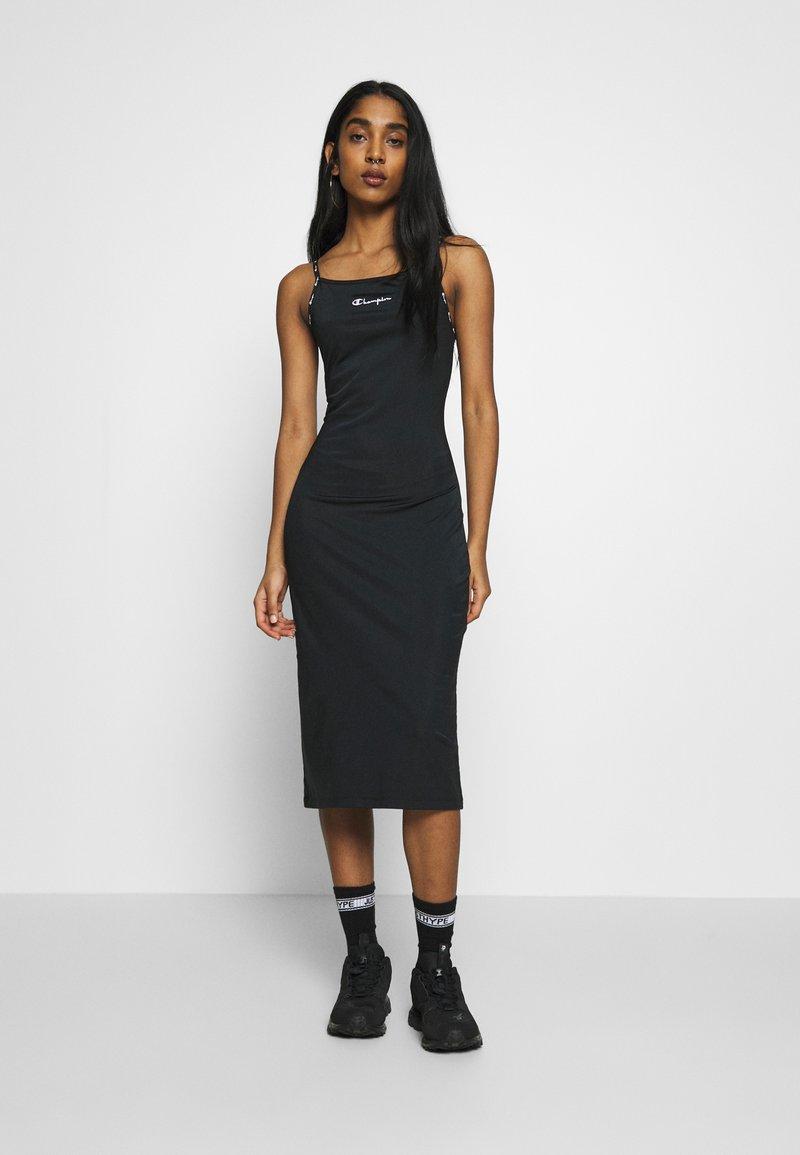Champion Reverse Weave - DRESS - Denní šaty - black