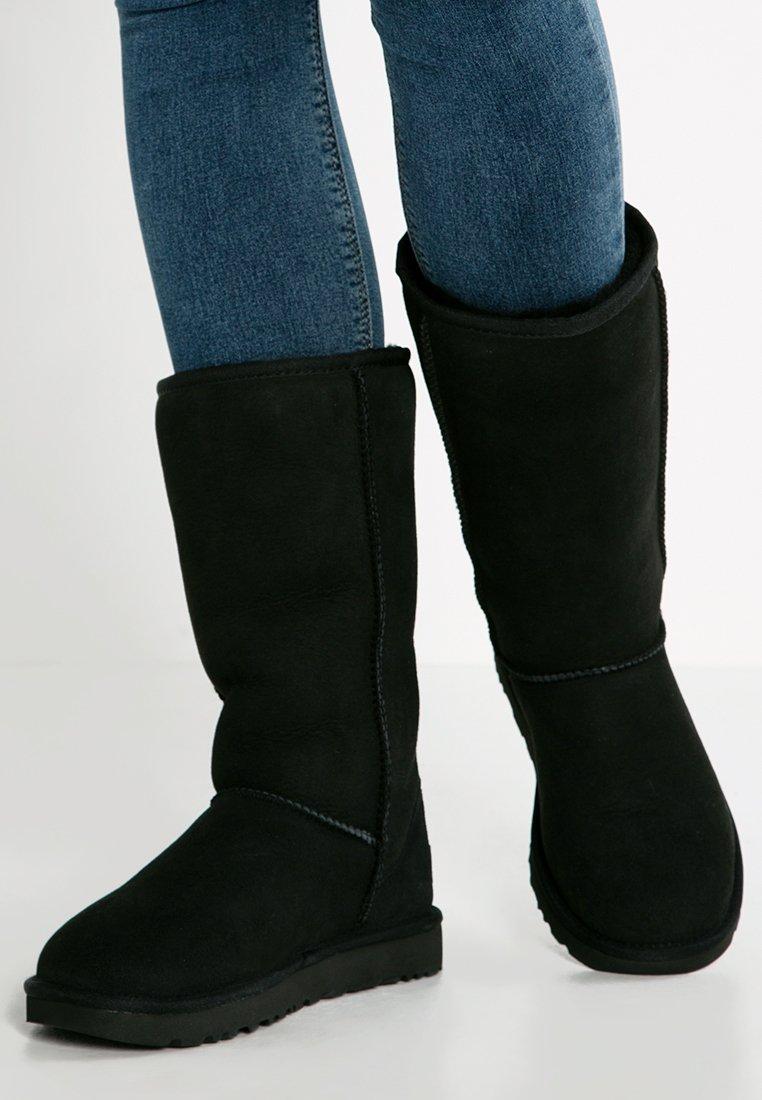 UGG - CLASSIC II - Vysoká obuv - black