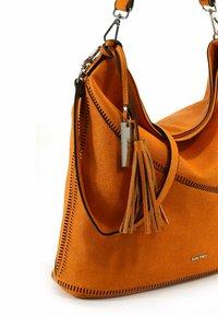 SURI FREY - TILLY - Cabas - orange - 4