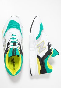 New Balance - CM997 - Sneakers - green/white - 1