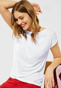 Street One - IM LEINEN LOOK - Basic T-shirt - weiß - 0