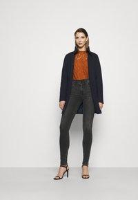 Vila - VICOOLEY NEW COAT - Zimní kabát - navy blazer - 1