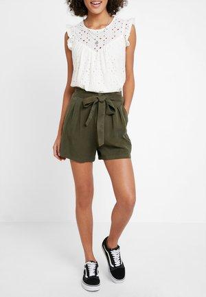 VMMIA LOOSE SUMMER - Shorts - ivy green