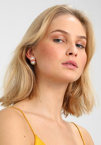 SNÖ of Sweden - STAR PEARL DOUBLE - Earrings - clear - 1