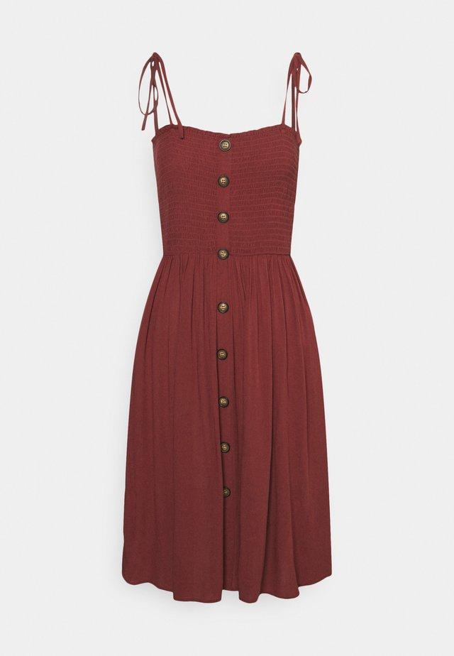 ONLANNIKA SMOCK DRESS - Korte jurk - apple butter