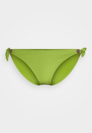 Bikini bottoms - pandan cake