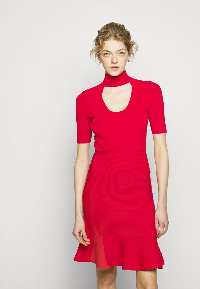Jumper dress - crimson