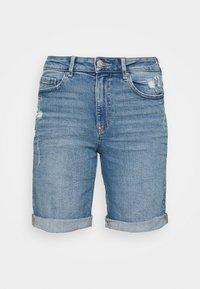 Marks & Spencer London - BOYFRIEND - Denim shorts - light blue denim - 3