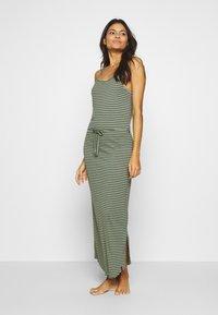 Brunotti - EMMA WOMEN DRESS - Doplňky na pláž - sage green - 0