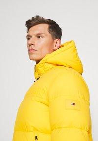 Tommy Hilfiger - HIGH JACKET - Winter jacket - amber glow - 3