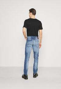 Mustang - OREGON - Straight leg jeans - denim blue - 2