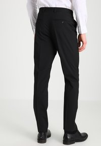 Selected Homme - SHDNEWONE MYLOLOGAN SLIM FIT - Suit - black - 4
