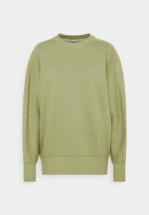 ESSENTIALS  - Sweater - fern green