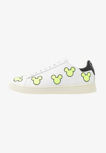 EXCLUSIVE GALLERY MICKEY - Trainers - white/neon yellow