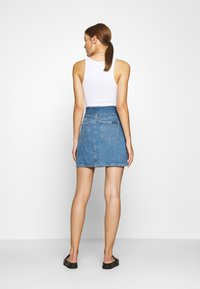 Calvin Klein Jeans - HIGH RISE MINI SKIRT - Denim skirt - blue denim - 2