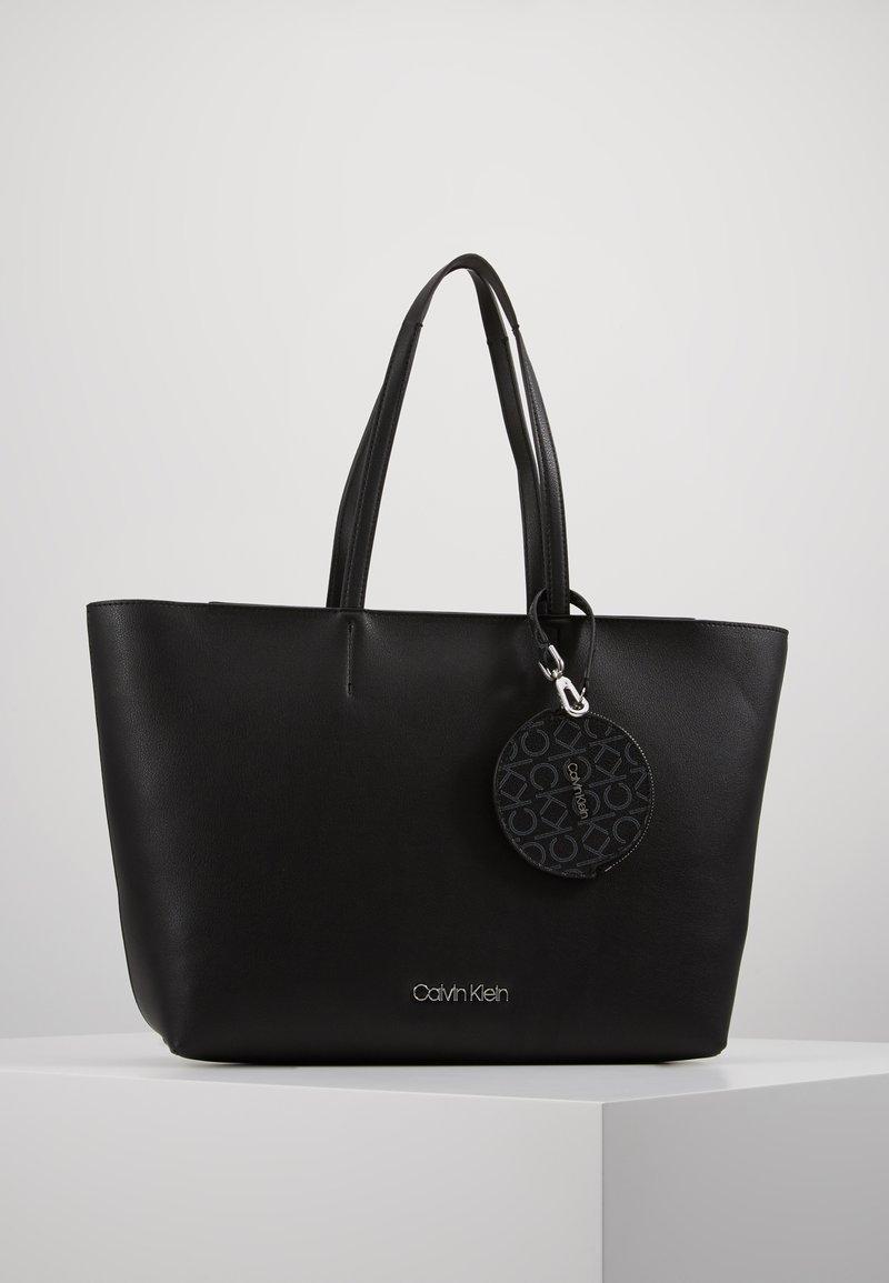 Calvin Klein - Håndveske - black