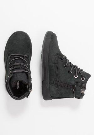 DAVIS SQUARE 6 INCH - Šněrovací kotníkové boty - black