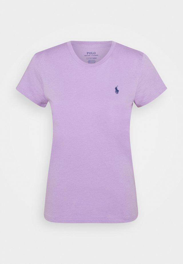 Jednoduché triko - english lavender