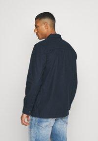 Burton Menswear London - LONG SLEEVE POCKET - Camicia - navy - 2