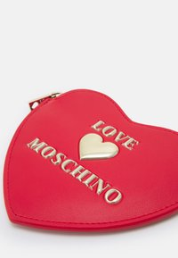 Love Moschino - HEART SHAPEDPURSE - Wallet - rosso - 3