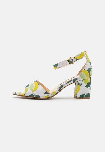 YASMINE - Sandals - lime light
