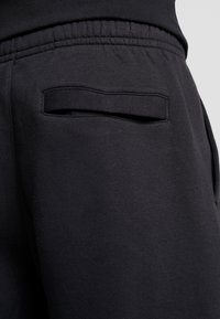 Nike Sportswear - CLUB - Shorts - black/white - 5